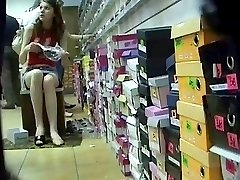 Teenage girl exhibited pussy in the store