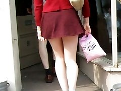 Girls followed by street upskirt man