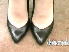Hot Milf talks about mens fetish for women in elegant sexual high heels