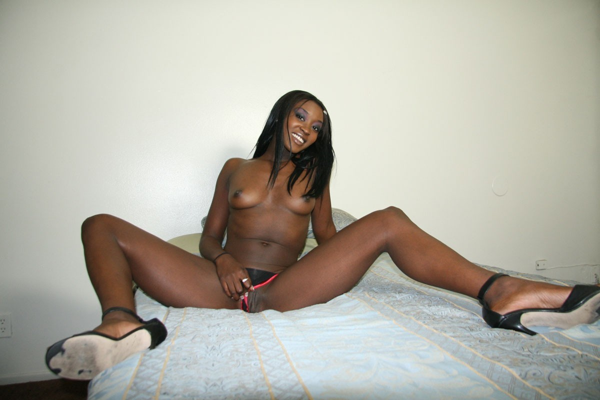 Anal Saxy saxy hot black babes gall