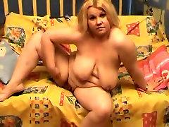 BBW Teen GF I met Online showing her naked body for cash