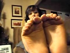 Teen self worship her delicius feet and soles