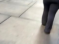 Big booty in grey dress pants