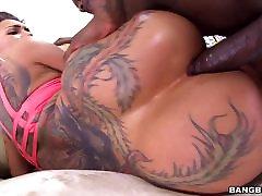 Bella Bellz Takes Black Cock In Her Big Ass
