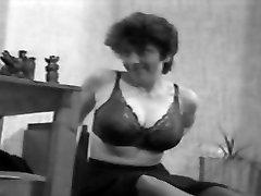 CBT big tits classic massge hiiden camre vintage 50&039;s black&white nodol7