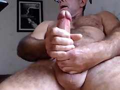 Hot hairy daddy bear having a nice load