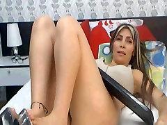latina milf big tits and great feet