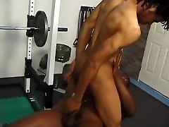 Black Couple Fucking in Gym