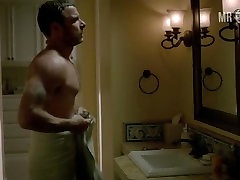 actor liev schreiber drops the towel and bares his hot naked ass