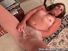 American milf Katrina needs to get off in nylon