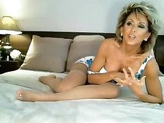 Classy MILF on Webcam, Free Mature Porn Video