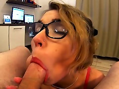Teen swallow cum after sloppy deepthroat