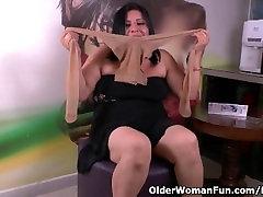 Nylon gets moms libido level skyrocketing