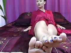 FeetCuckCumer