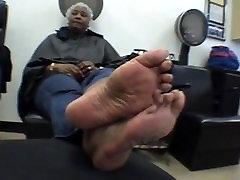 BIg Ebony Mature feet