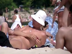 Amateur Naked Milfs at the nudist beach