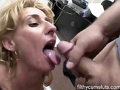 Mature blowjob - filthycumsluts.com