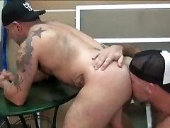 Muscle Bear Hook-Up