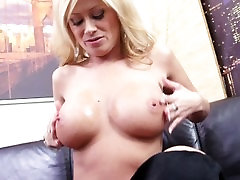 Lisa Daniels talks dirty to you while fucking her favorite toys n cums hard