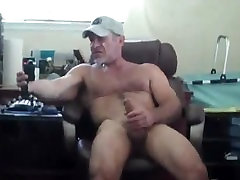 Muscle Daddy Jerks Off his Cock & Cums