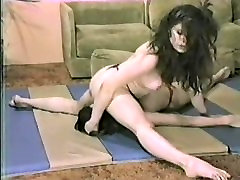 Vintage Catfight & Faceride with Allison Ames
