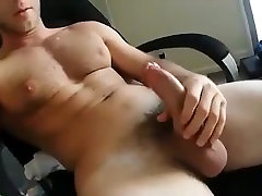 Big Dick Muscle Boy Jerks Off & Shoots His Load