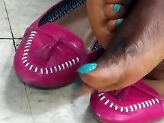 ebony candid feet