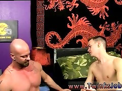 Older man and younger boy first time anal gay sex Chris gets the cum