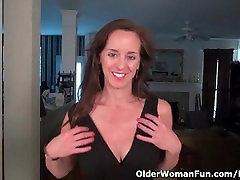 Pantyhosed milf Tricia Thompson takes care of her needs