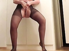 SQUIRTING MILF IN LINGERIE HUGE ASS BIG BOOTY PHAT BOOTY