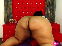 Plump black BBW Onionbooty69 fucks her huge bouncing ass – 18flirt.com