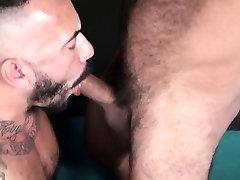 Unsaddled bear fucks and sucks throbbing cock