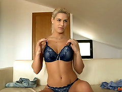 Sextractive blond angel lifts her skirt up