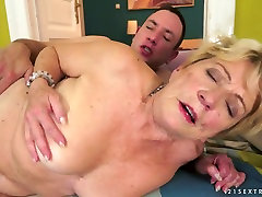 Nasty short haired granny Malya gets her hairy muff nailed hard