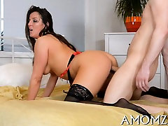 Sexy mature wants to feel dick deep in her soaking pussy