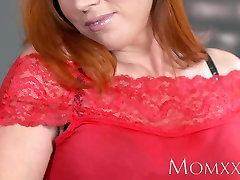 MOM Sexy redhead sucks and fucks muscle man