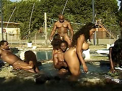 Anal and vaginal party at the pool