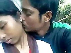 Desi Indian Girl blow job with her boy friend out door