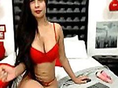 prostituta latina menea la vagina y vende barato