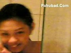 Pinay Naliligo