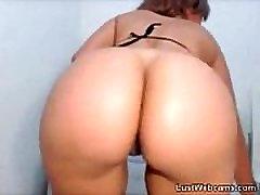 Big booty latina teasing on webcam