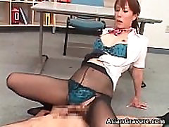 Horny asian hoe sucking dudes jizzster