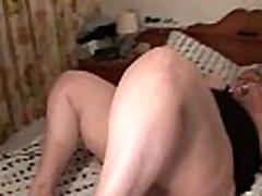 Crazy mature BBW nailing her wet cunt with big vibrator