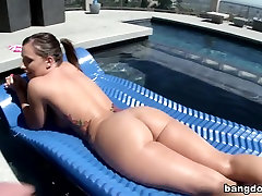 The perfect big white girl ass