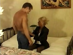Vintage porn with a French MILF and a younger guy