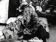 Retro Porn Archive Video: mom in garden no panites 1920s 06