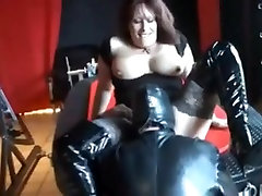 Hot mature enjoys latex and hard sex after cunnilingus