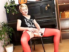 Blonde milf in red stockings kinky dildo action