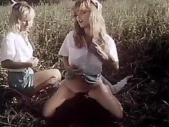 Ginger Lynn Allen, Lois Ayres, Bunny Bleu in khajal agrawil xxx scene