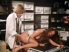 Annette Haven, Lisa De Leeuw, Veronica Hart in threesome mark porn reggan fox porn